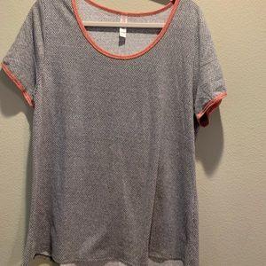 XL LuLaRoe Classic Shirt